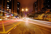 Modern Urban City with Freeway Traffic at Night — Foto Stock