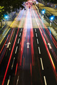 La circulation dans la ville de nuit — Photo