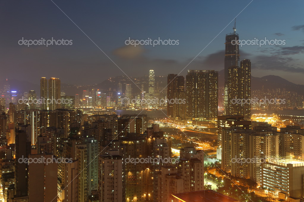Illuminated Hong Kong Island skyline with Kowloon at night — Stock Photo #2935709