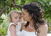 Bride and Young Bridesmaid — Stock Photo