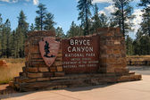 Bryce Canyon Park entrance — Stock Photo
