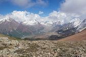 Взгляд с горный перевал — Стоковое фото