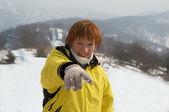 雪だるまの若い女遊び — ストック写真