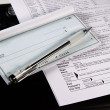 Foto Stock: Preparing Taxes - Check and Forms