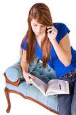 Cep telefonuyla konuşan genç — Stok fotoğraf