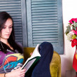 Cute Teen Girl Reading a Book — Stock Photo