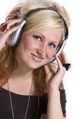 симпатичные девушки прослушивания музыки — Стоковое фото