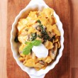 Farfalle with mushrooms and cream — Stock Photo