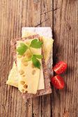 Knäckebröd och ost — Stockfoto