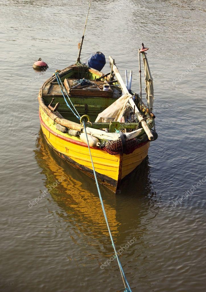 хорошая рыболовная лодка