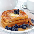 French Toast with fresh blueberries — Stock fotografie