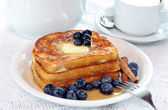 French Toast with fresh blueberries — Stock Photo