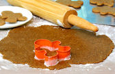 Making gingerbread cookies — Stock Photo