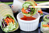 Gemüse-sushi mit dipp — Stockfoto