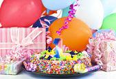 день рождения торт для 1 год празднования — Стоковое фото