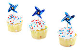 Patriotic cupcakes on white with copy space. — Stock Photo