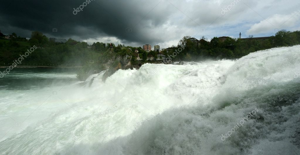 Waterfall Rhine Falls (Rheinfall) at Schaffhausen in Switzerland. The largest waterfall in Europe — Stock Photo #3172890