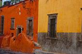 Spansk stil hus — Stockfoto