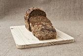 ржаной хлеб и злаки — Стоковое фото