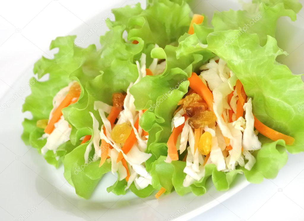 Салат из листьев моркови