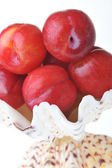 Some red plums — Stockfoto