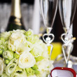 Candles and wedding bouquet — Stock Photo