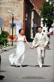 Brudgummen och bruden — Stockfoto