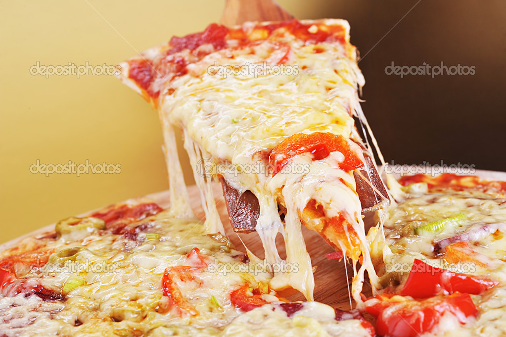 Tasty meat and vegetables pizza — Stock Photo #3779668