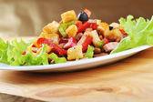 Salade op plaat — Stockfoto