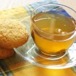 Green tea and cookies — Stock Photo