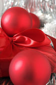 Christmas decorations and gift close-up — Stock Photo