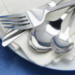 Silverware on plates — Foto Stock