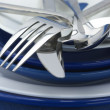 Silverware on plates - Lizenzfreies Foto