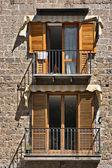окна в сорренто, италия — Стоковое фото