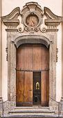 Puerta de la iglesia — Foto de Stock