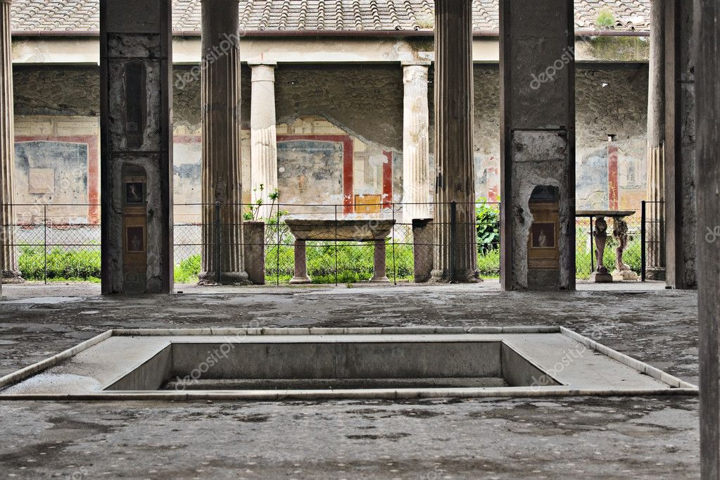 House of the Vettii atrium, Via dei Fortuna, Pompeii, Italy — Stock Photo #2708372