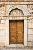 Porta da igreja — Fotografia Stock
