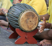 Playing bongos on the street — Stock Photo