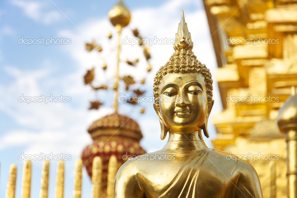 Wat Phratat Doi Suthep temple, Chiang Mai (Thailand) - Golden statue of Buddha — Stock Photo #3069422