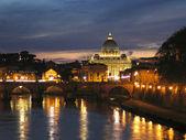 Peters dome v římě, itálie — Stock fotografie