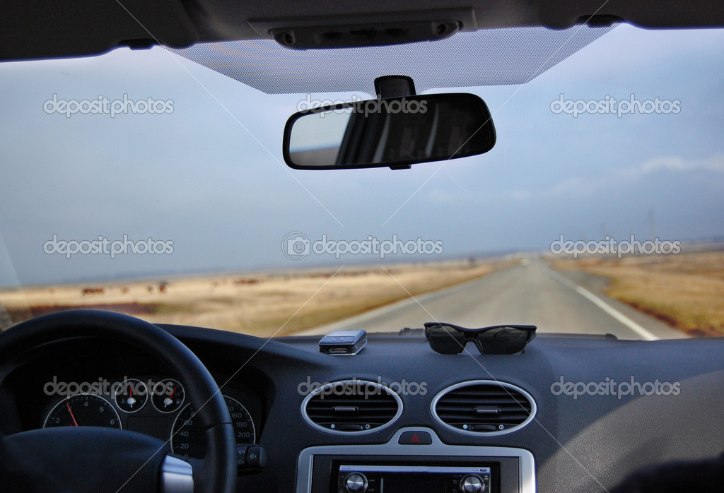 Trevel time. Inside car view. — Stock Photo #2894896