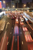 Verkeersopstopping in hong kong's nachts — Stockfoto