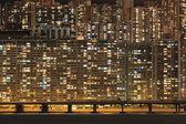 многоквартирный дом ночью, токио, гонконг — Стоковое фото