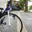 Bicycle parked in city street — Stock Photo