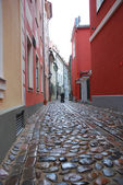 Narrow street in Riga in old city — Stock Photo