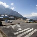 Airstrip into Lukla, Nepal — Stock Photo #2734371