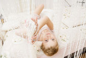 Meisje in slaapkamer — Stockfoto