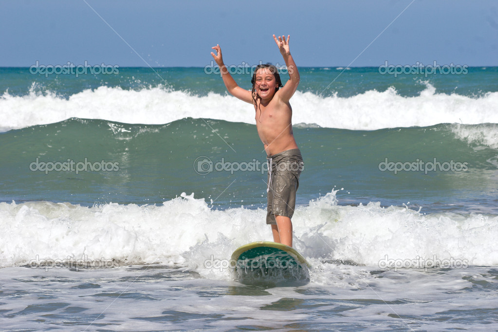 Learning to Surf 04 � Stock Photo � Undy-Bumgrope #3876356