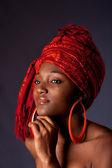 Afrikalı kadın ile headwrap — Stok fotoğraf