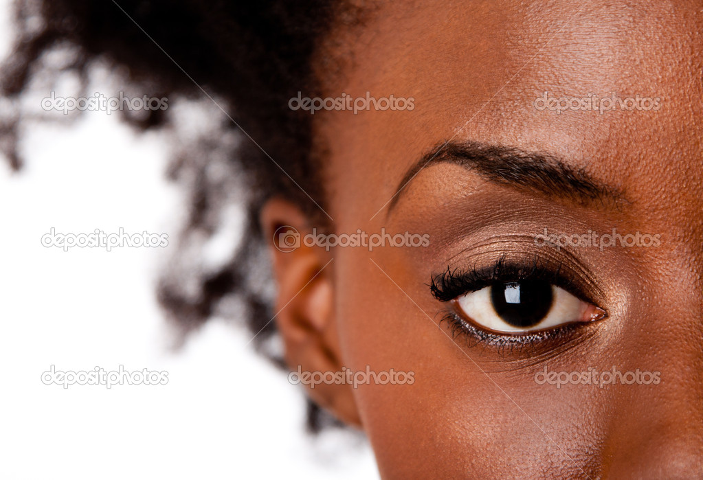 Fashion beautiful African American female brown watchful eye with black eyelashes mascara, isolated. — Stock Photo #3864546